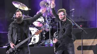 Skillet - Undefeated - Live 4K (The Starlight Drive-In 2020)