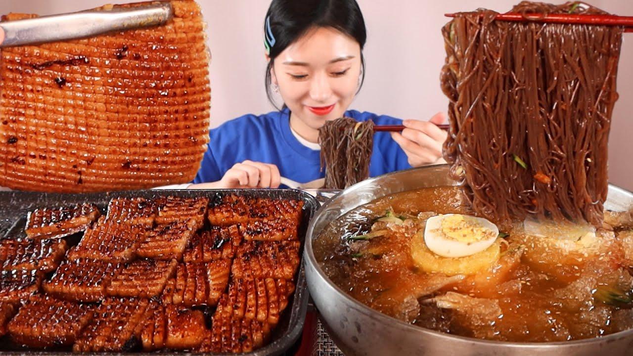 쫄깃 바삭한 돼지껍데기 시원한 물냉면 먹방:) Grilled pork skin Cold buckwheat noodles Mukbang