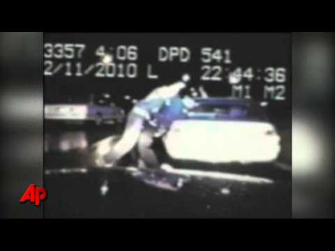 Raw Video: Ohio Woman Jumps in to Help Officer