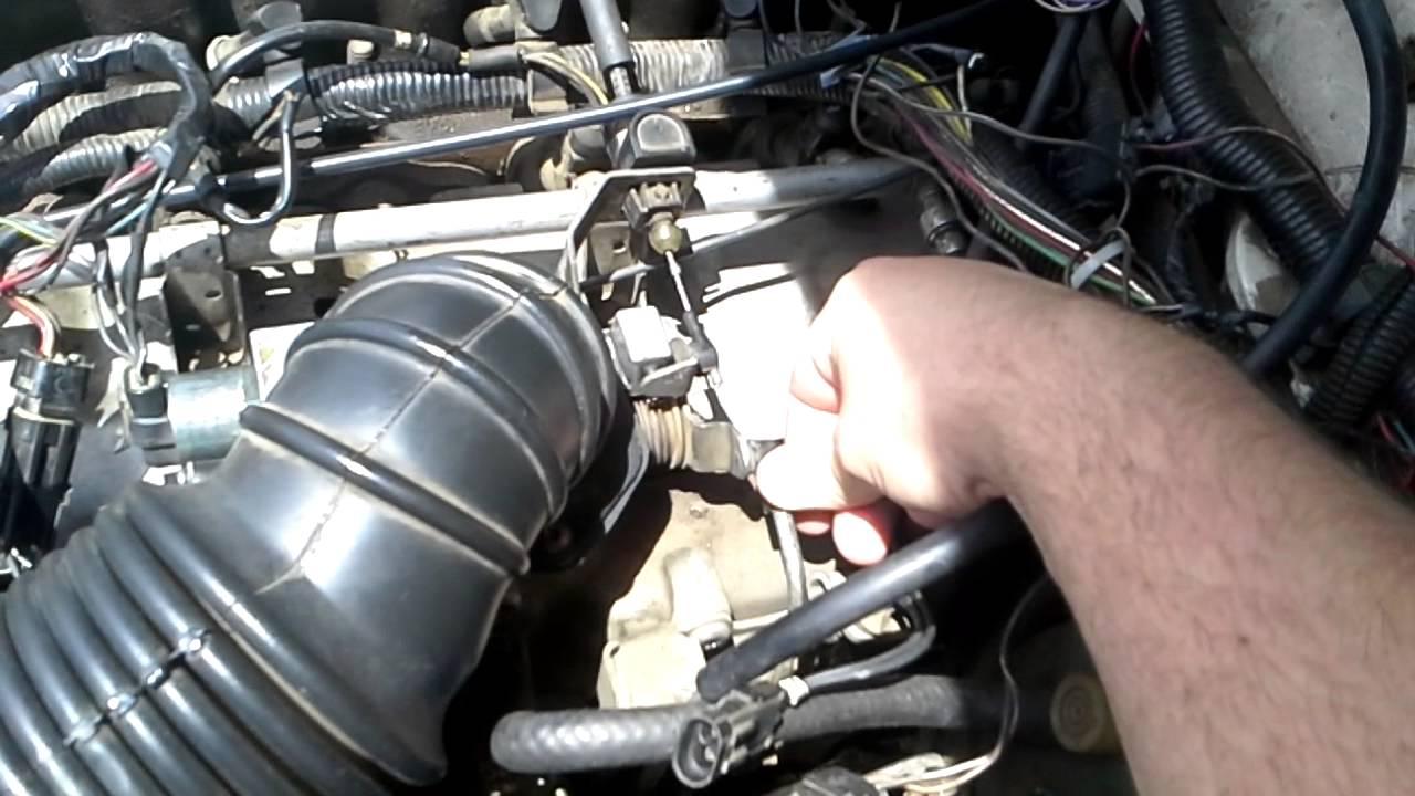 4.0 Jeep Engine >> 1988 Jeep Cherokee Laredo 4.0 i6 stalling out - YouTube