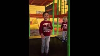 Lucas Slow mot trampoline