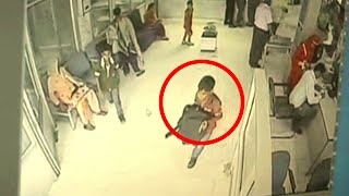 2 Teenagers Steal Bag Contains 32 Lac Cash From Bank - CCTV Footage