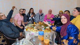 فطور 20 رمضان 🤔 سارة بغات تهرب باش تخلي الأضواء لزينب 😂