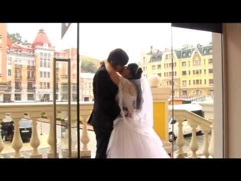Владимир и Алёна. Свадебная прогулка в дождь.