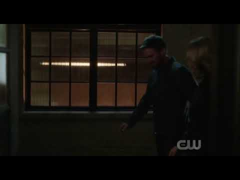 Download Oliver says good bye to his earth 2 mother arrow S08E01