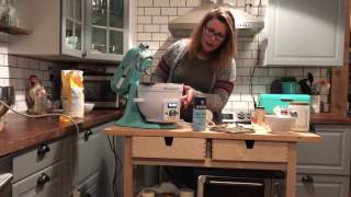 Bread making Blogger Demonstration with the KitchenAid Precise Heat Mixing Bowl
