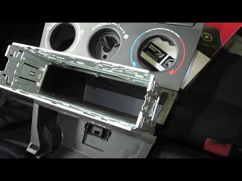 Toyota Corolla E120- серия 16, новая магнитола, колонки и виброизоляция.