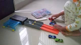 Brian Unboxing Track Hotwheels