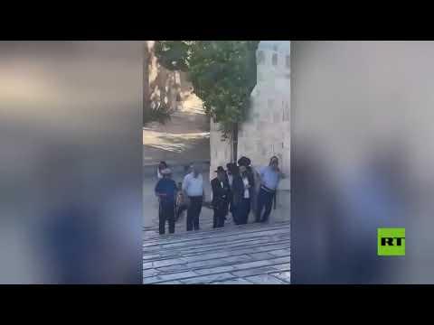مستوطنون إسرائيليون يقتحمون المسجد الأقصى بقيادة عضو الليكود المتعصب يهودا غليك  - 12:56-2021 / 6 / 15