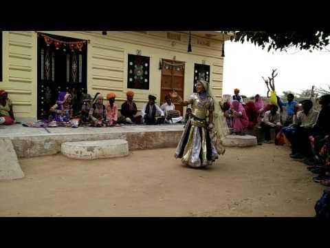 KALBELIA DANCERS IN SAPERA VILLAGES - RAJASTHAN  INDIA