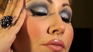 MAQUILLAJE DE NOCHE  fiesta azul con glitter