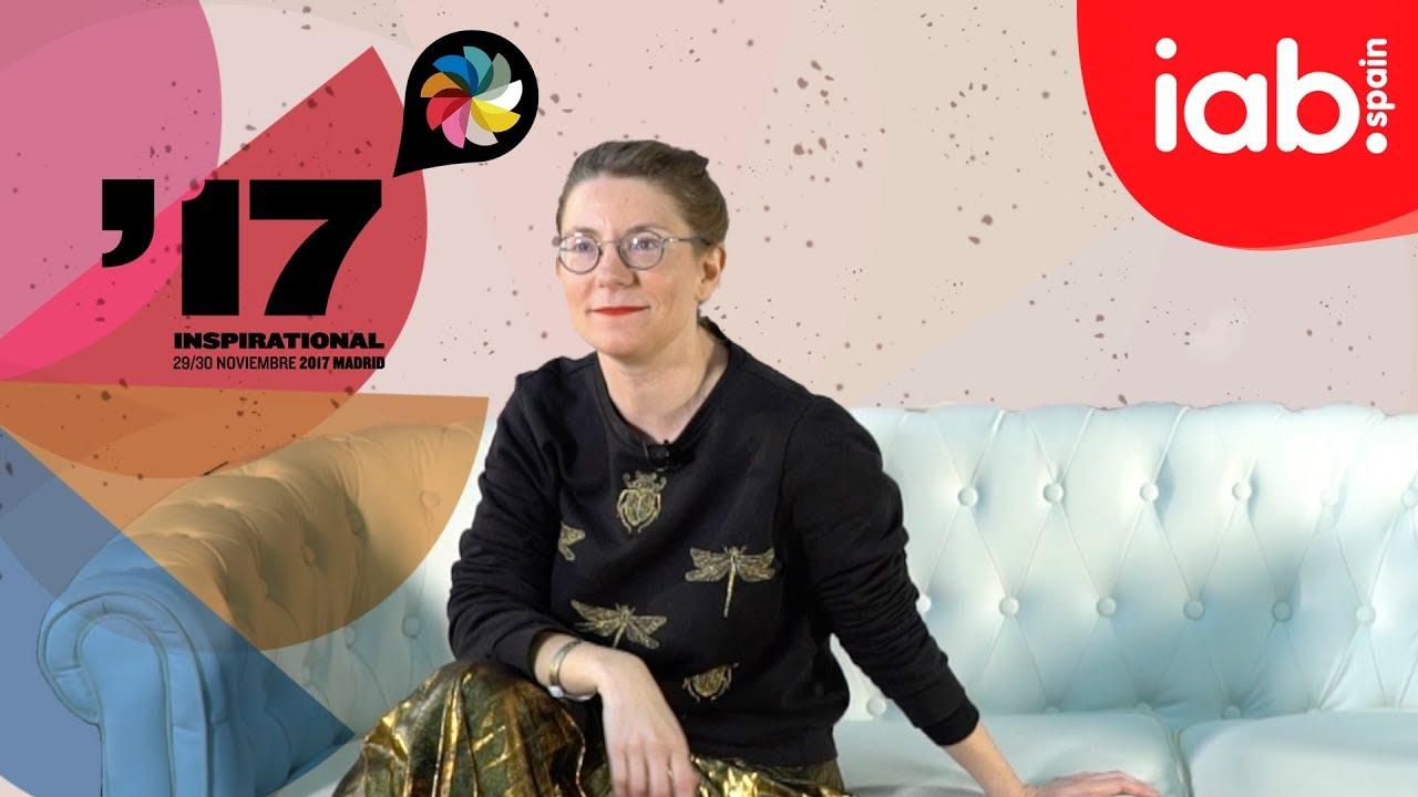 Isabelita Virtual y la página en blanco del creativo - Inspirational Wheel