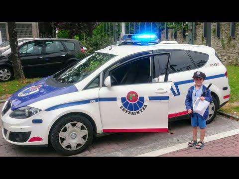 COCHES PATRULLA de la POLICÍA Vasca | Vídeo para niños | Ertzaintzaren Autoak | Police Car for kids