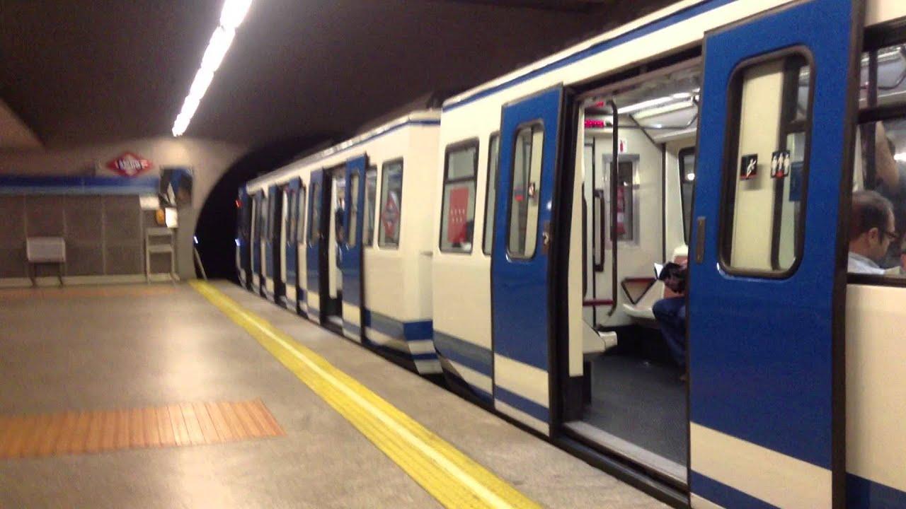 Metro de madrid estaci n de atocha renfe serie 2000 a for Oficinas de renfe en madrid