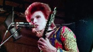 David Bowie - Ziggy Stardust - live 1972 (rare footage / 2016 edit)
