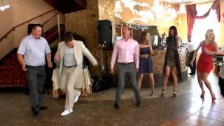 Ведущий тамада на свадьбу недорого Игорь Ивановский