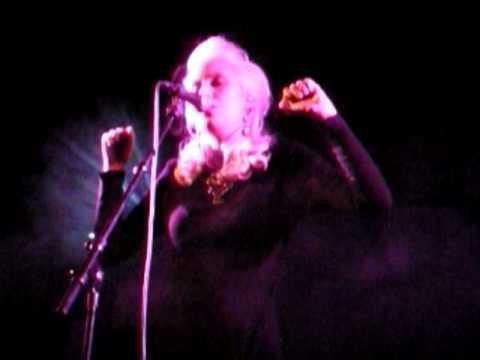 Amanda Jenssen- Autopilot (live Kalmar)