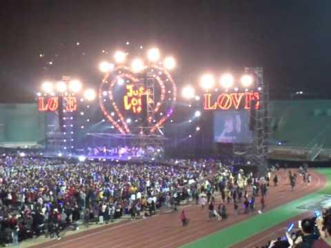 MOV_五月天2012年0303公益演唱會.mp4
