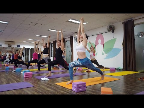 25 Minutes Morning Yoga Class For Intermediate Level Practitioner | Raja Gupta