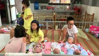 Rio và Cherry Hát ở Trại Trẻ Mồ Côi | Ly Hai Minh Ha FamiLy