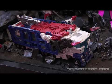 War for Cybertron SIEGE toys at Hasbro Breakfast Press Event