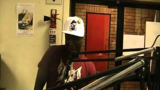 MO KLAASIK Candid moment(Mafikeng Fm Radio interview).mpg
