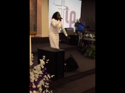 Pastor Tamara Bennett - Sunday Morning Service (7-17-16)