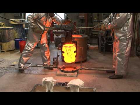 Bronze Pour at Minneapolis College of Art and Design (HD)