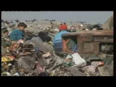 Iraqi Children eke out a living in Baghdad rubbish dump - Iraq War