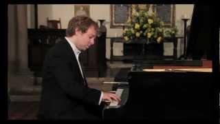 Mozart Sonata in C K.330 Allegro moderato, Piano: Sebastian Stanley
