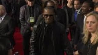 R. Kelly moving out of studio  because judge barred him from working there overnight;  lawyer says j