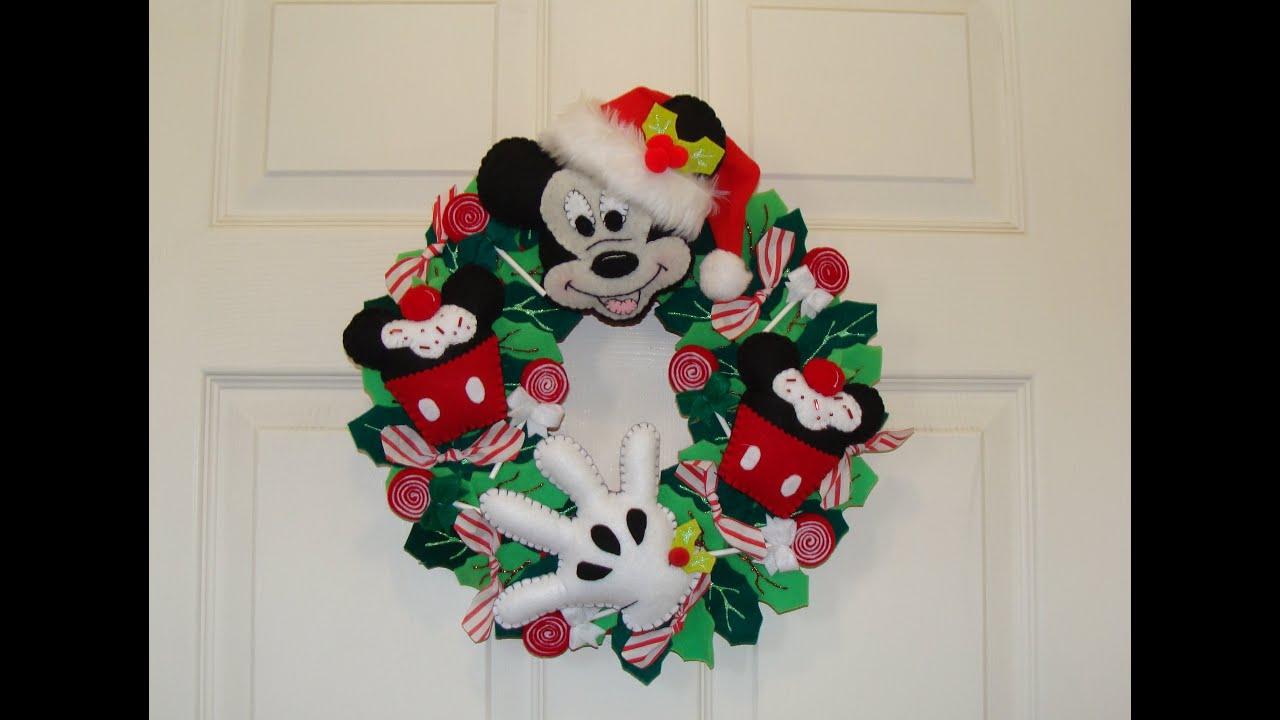 Diy corona navide a de mickey mouse mickey s christmas for Adornos navidenos mickey mouse
