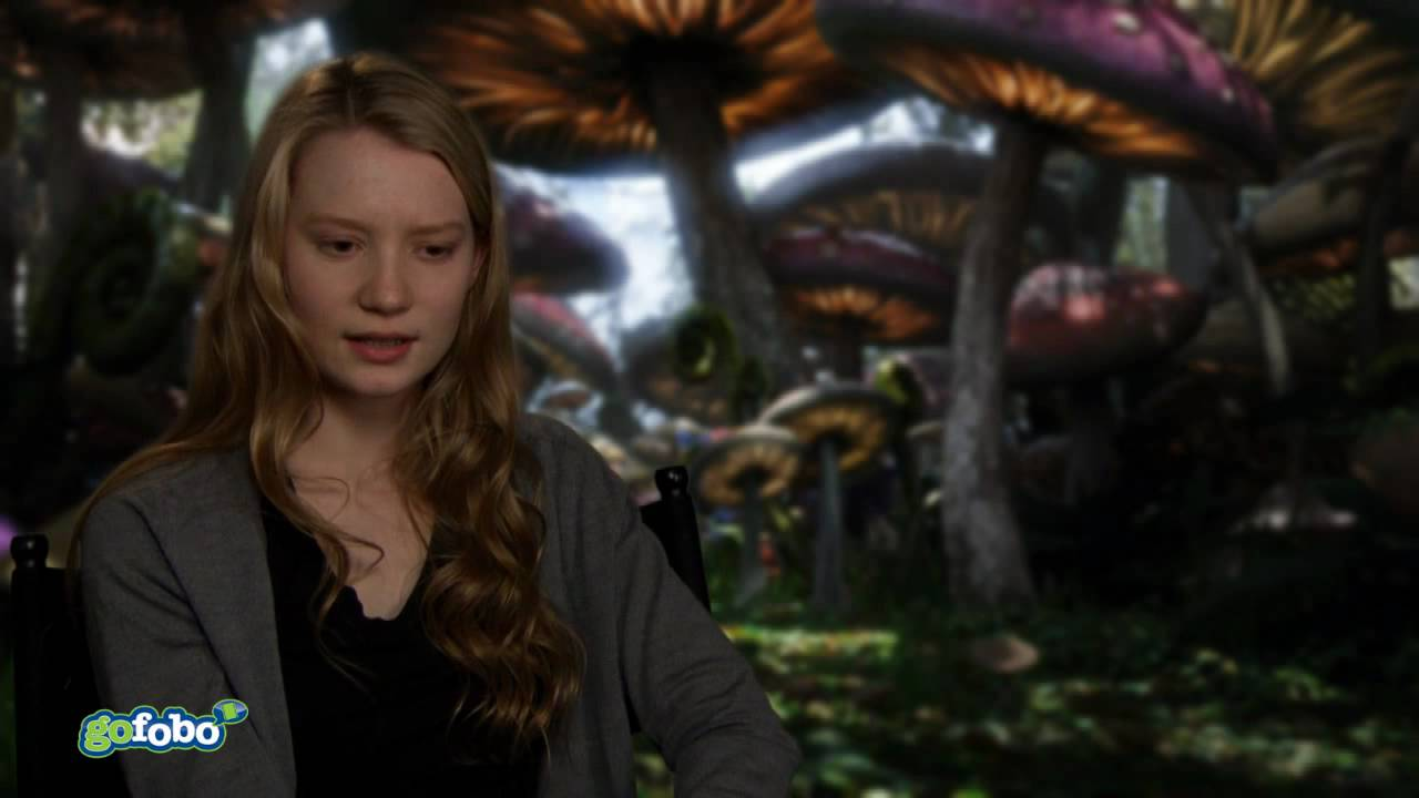 Mia Wasikowska talks about Alice in Wonderland - YouTube