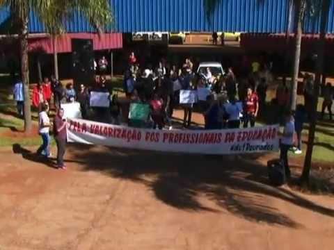 Em greve, professores de Dourados se unem para doar sangue