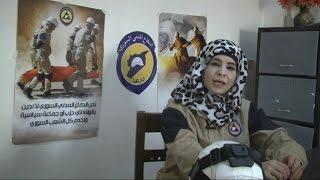عبير.. قتل زوجها فتطوعت في الدفاع المدني السوري