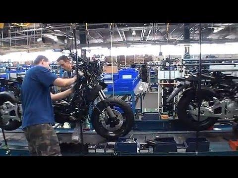 yamaha visite d 39 usine de saint quentin aisne yamaha relocalise sa production moto en france. Black Bedroom Furniture Sets. Home Design Ideas