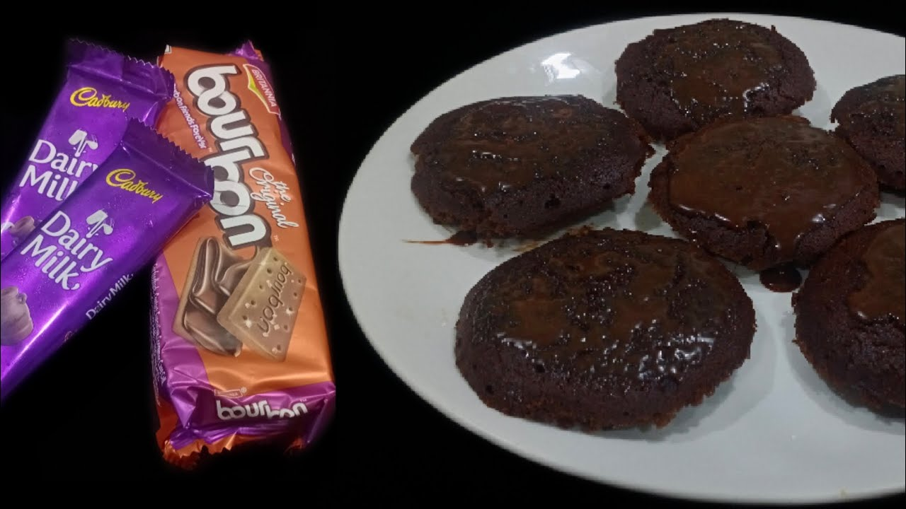 4- Ingredient Eggless Choco Lava Cake Recipe Without Oven ...