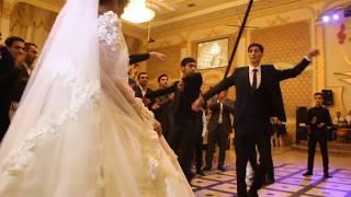 Лезгинка на свадьбе прекрасной пары в сердце любовь в душе лезгинка 2019 (Чеченская песня)