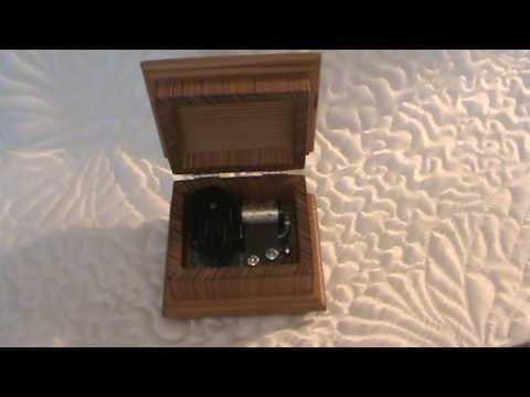 O Christmas Tree music box