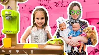 Алина играет в КУКЛЫ НЯНЯ для детей или Забавная история про вечеринку