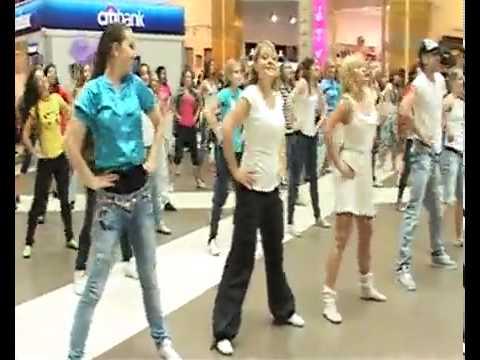 Танцевальный флешмоб ТРЦ Галерея