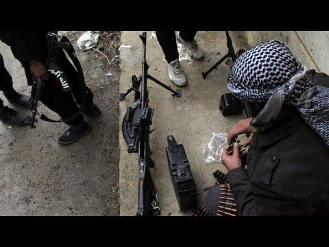 إجلاء مقاتلين معارضين من منطقة القلمون قرب دمشق في إطار اتفاق مع الحكومة