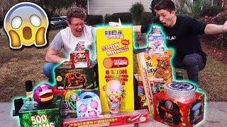 500 of FIREWORKS for NEW YEARS EVE! New Years Eve 20182019 Fireworks Explosions VLOG