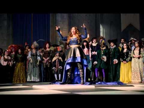 Super Bowl 2012 Commercial: Pepsi - King's Court