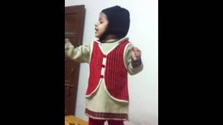 Nanhe munne bache teri mutthi mein kya hai (Jasleen)