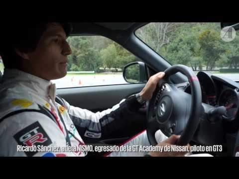 Ricardo Sánchez, atleta Nismo, en acción tras el volante del 370Z