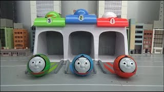 Thomas and Friends 3 Color Ball Garage Toys Play