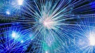 ... grußvideo zu silvester 2020/2021 mit feuerwerk und dem animierten text: guten rutsch ins neue