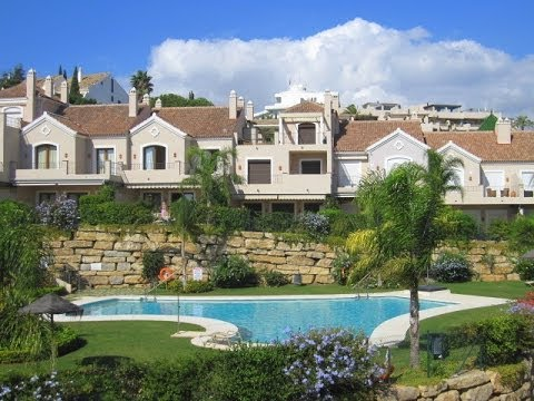 Elegant Townhouse for Sale in El Paraiso | Crystal Shore Properties