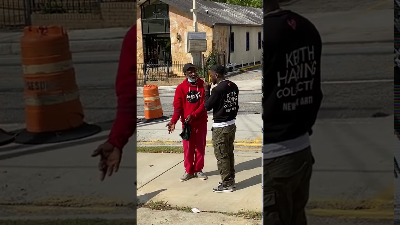 UNDERCOVER COP LOOKING FOR DRUGS IN THE HOOD PRANK!! Five 0 prank